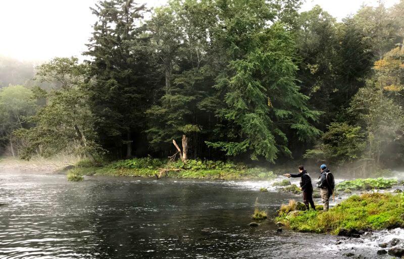 來阿寒湖阿寒川體驗釣魚的樂趣!