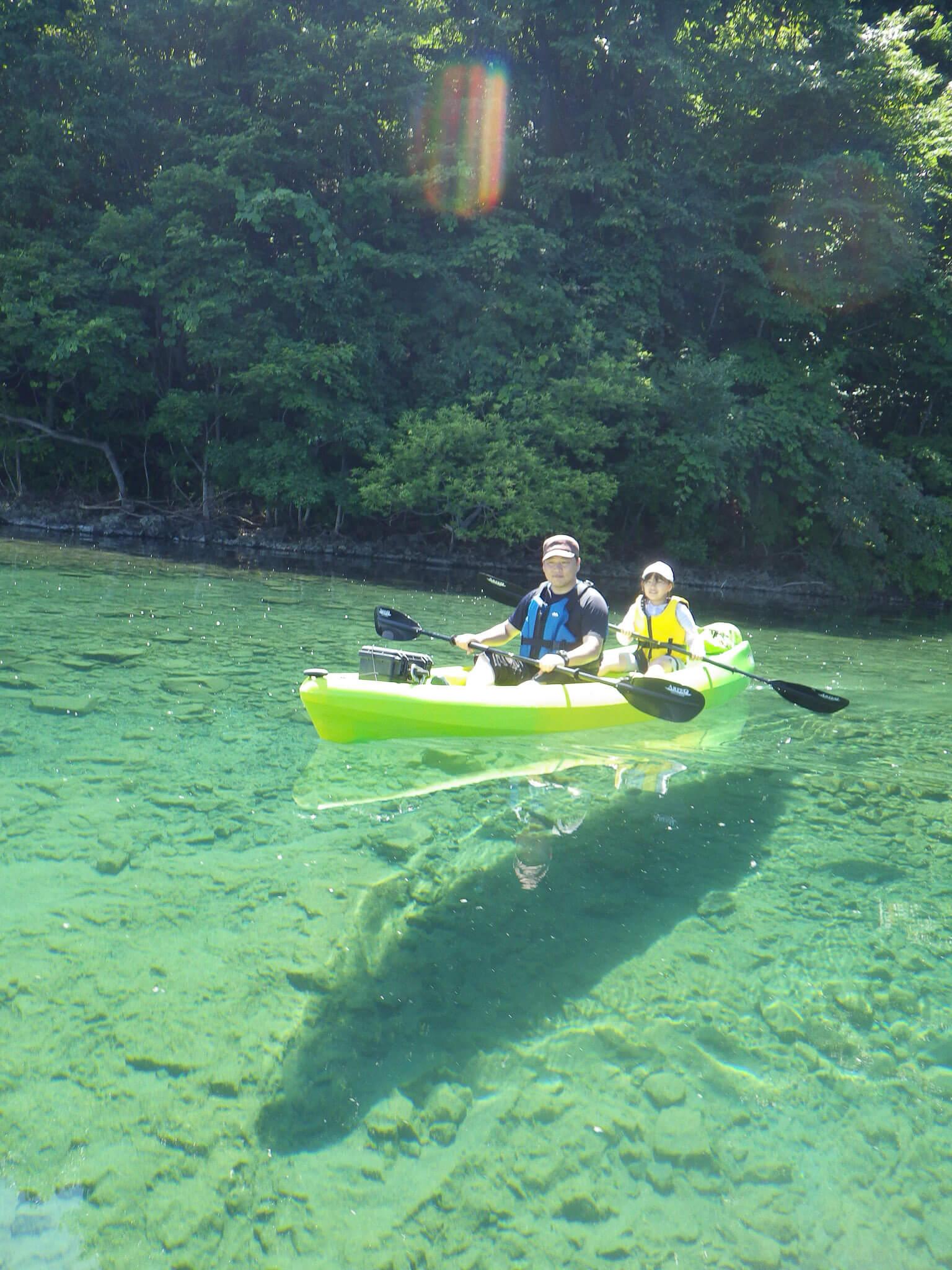 原始的藍色湖泊「支笏湖」獨木舟之旅