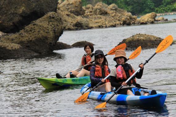 乘坐海岸獨木舟,享受徜徉在大海中的樂趣!