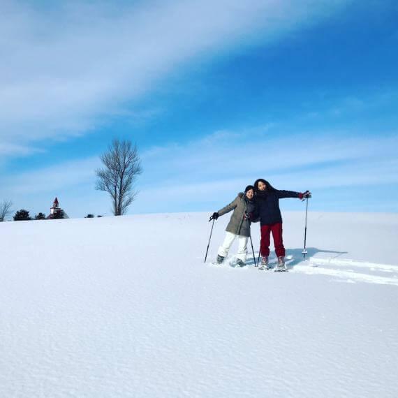 到Heidi牧場的山丘體驗雪鞋健行