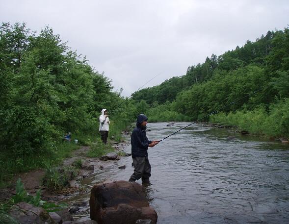 來新雪谷河川體驗釣魚