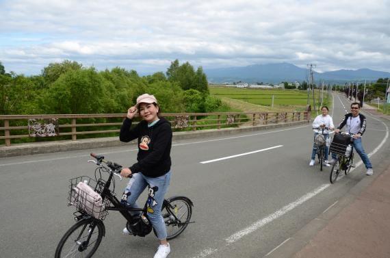 騎乘電動自行車漫遊富良野導覽之旅