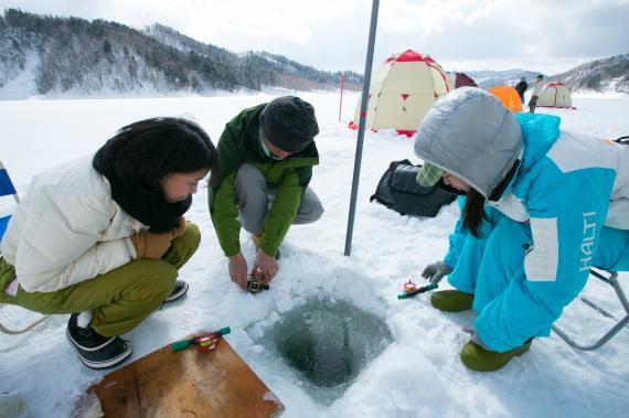 來桂澤湖體驗冰上垂釣西太公魚