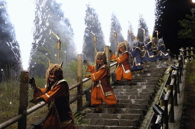 除惡祈福的北海道初夏祭典「地獄谷鬼花火」
