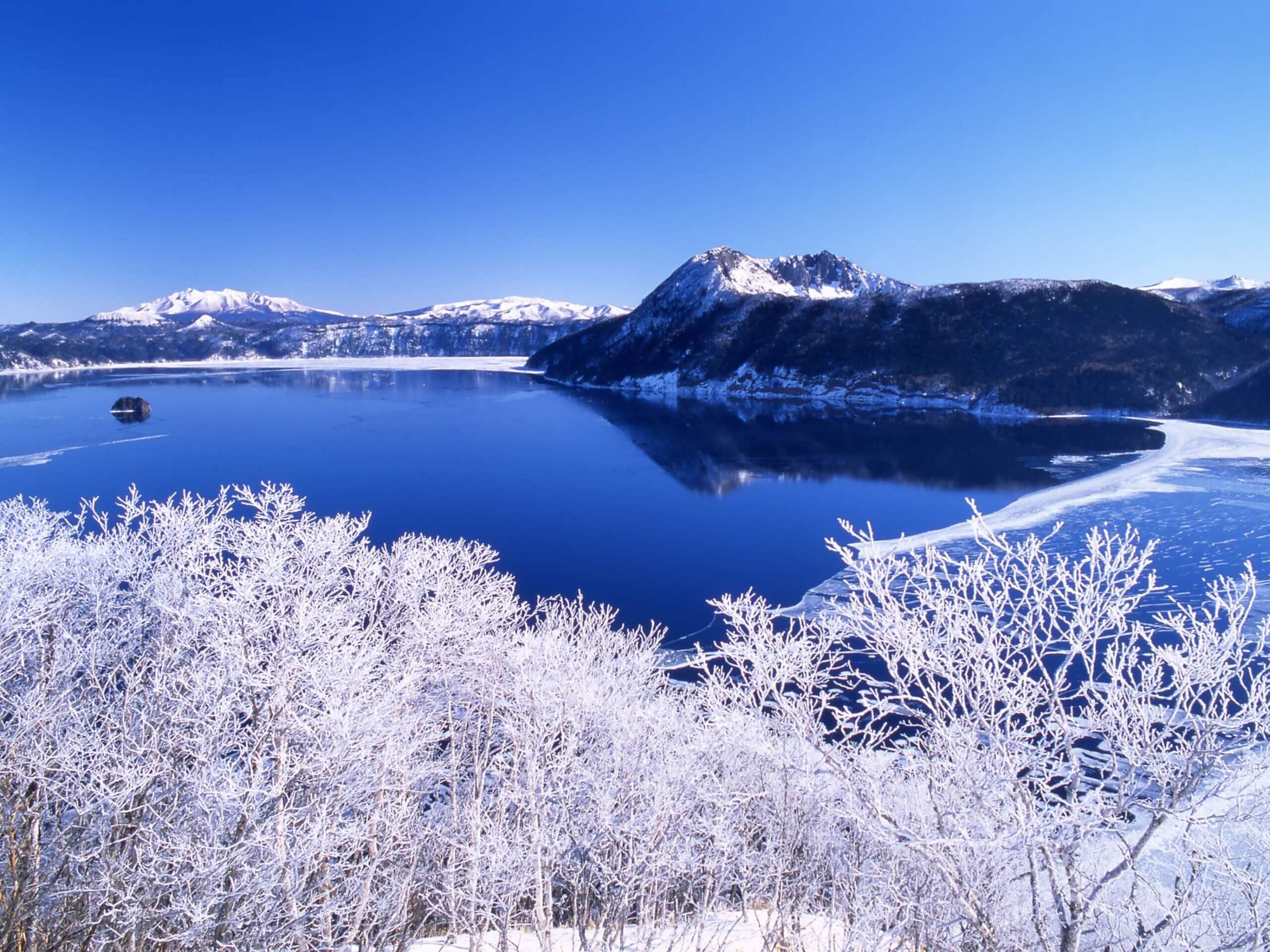 世界首屈一指的透明湖水神之湖「摩周湖」
