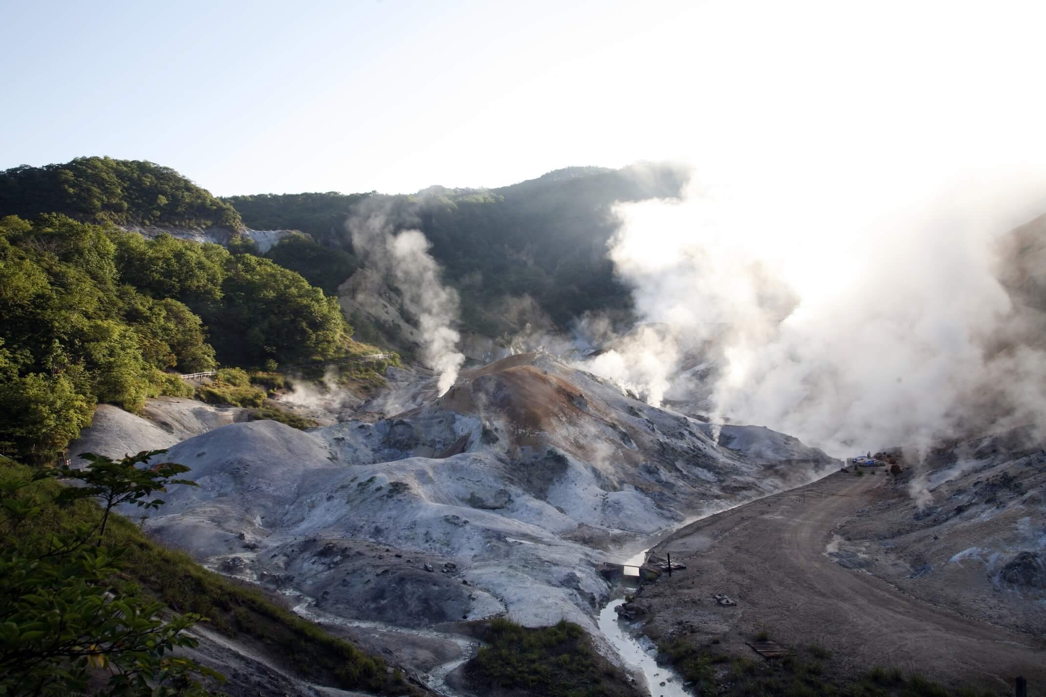 史前時代的火山溫泉「登別溫泉地獄谷」