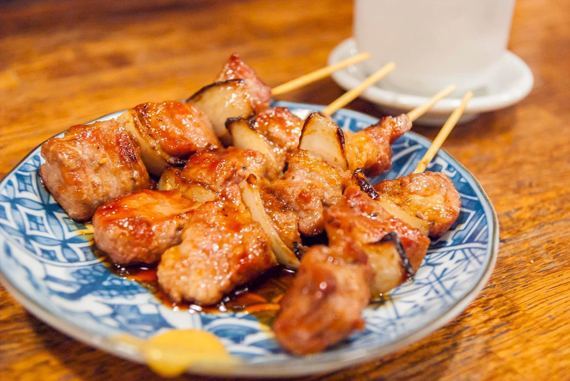 風靡在地的當地平價美食「室蘭烤肉串」