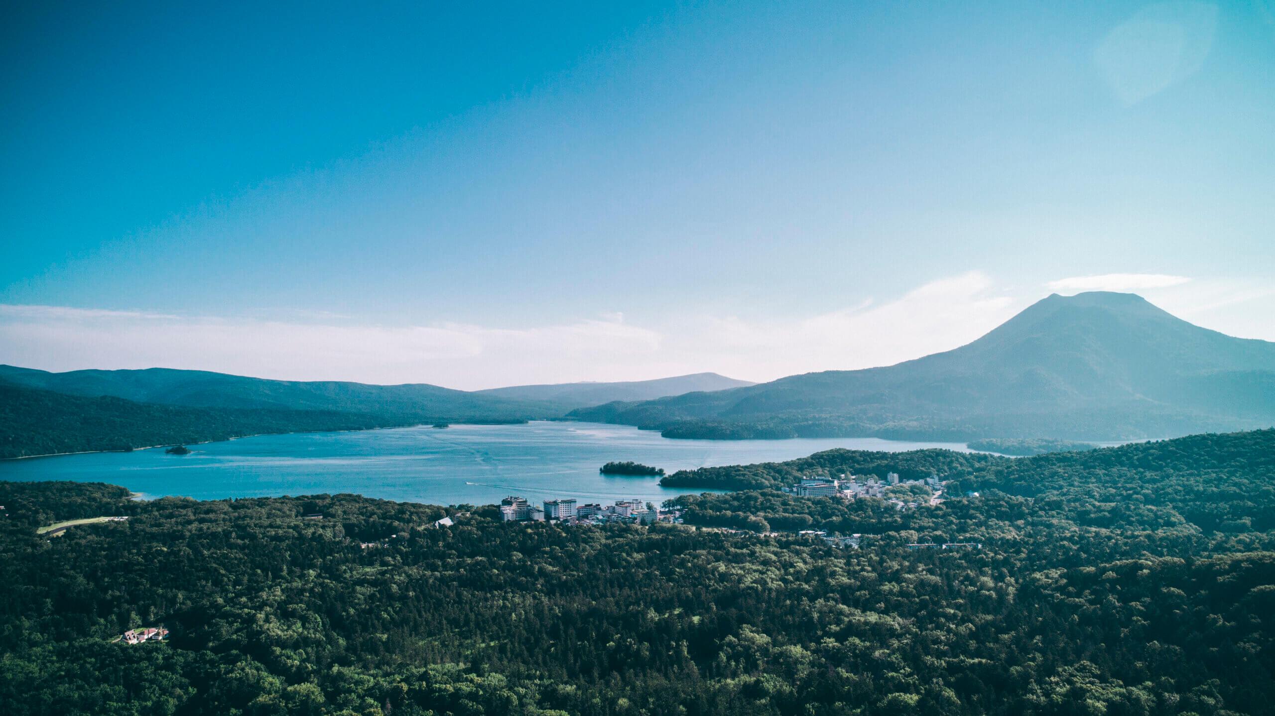 阿寒湖溫泉:飽覽阿寒湖自然美景與愛努文化