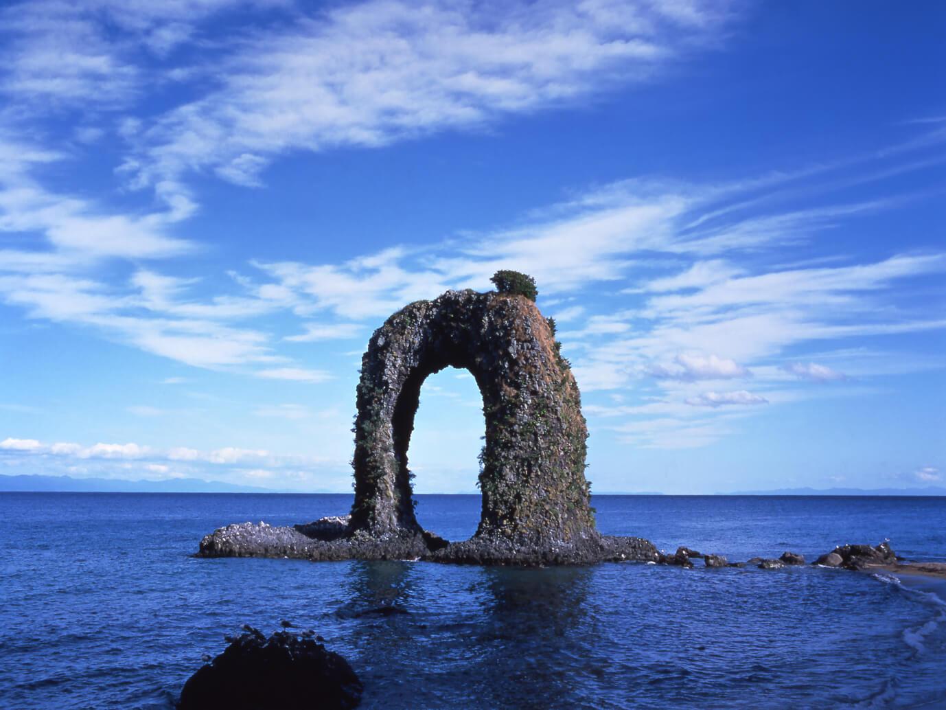 奧尻島的絕景地標:鍋釣岩