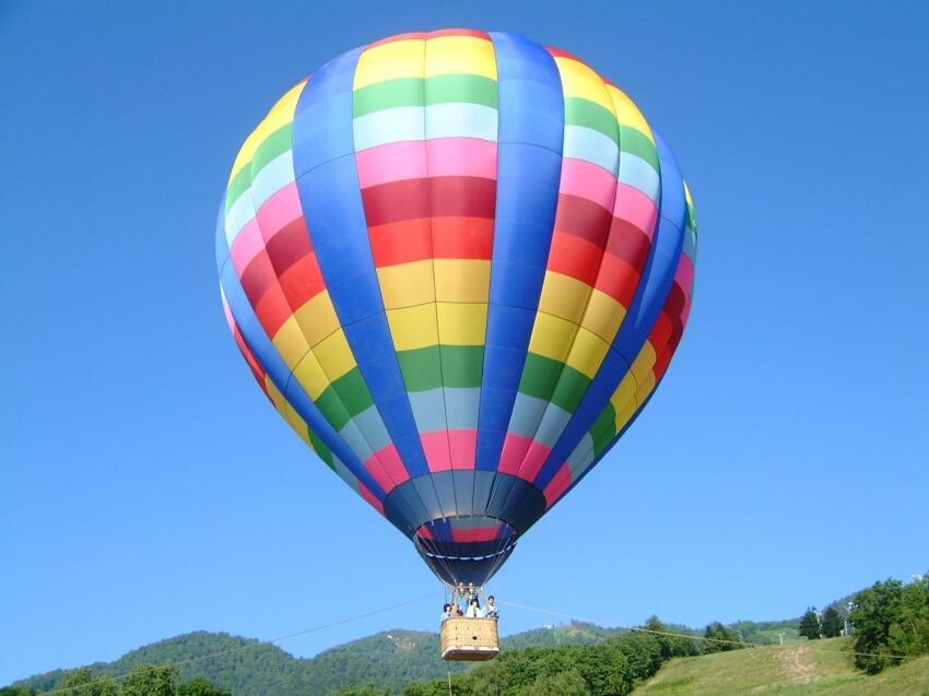 從空中眺望大自然!富良野熱氣球體驗