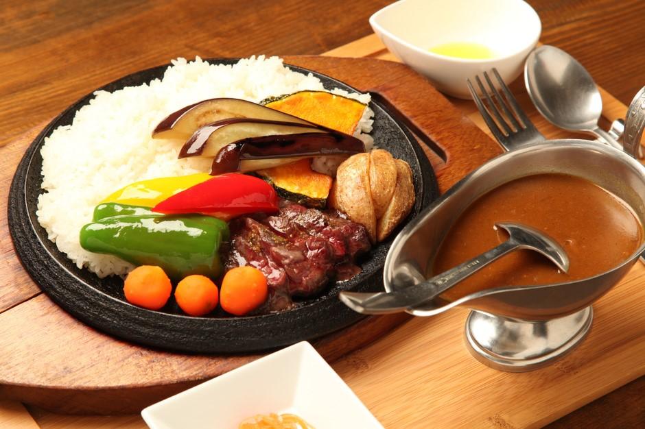餐廳 Nanputei:在地食材自產自銷的蝦夷鹿與咖哩名店