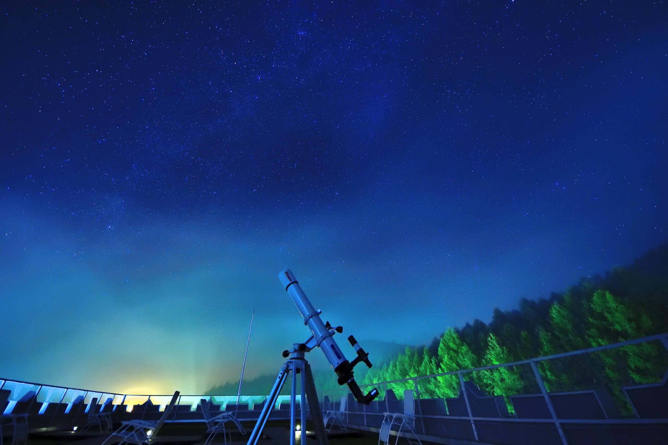 芦別温泉 星光大酒店:星象儀般的星空!不需使用望遠鏡也能直接觀測星空