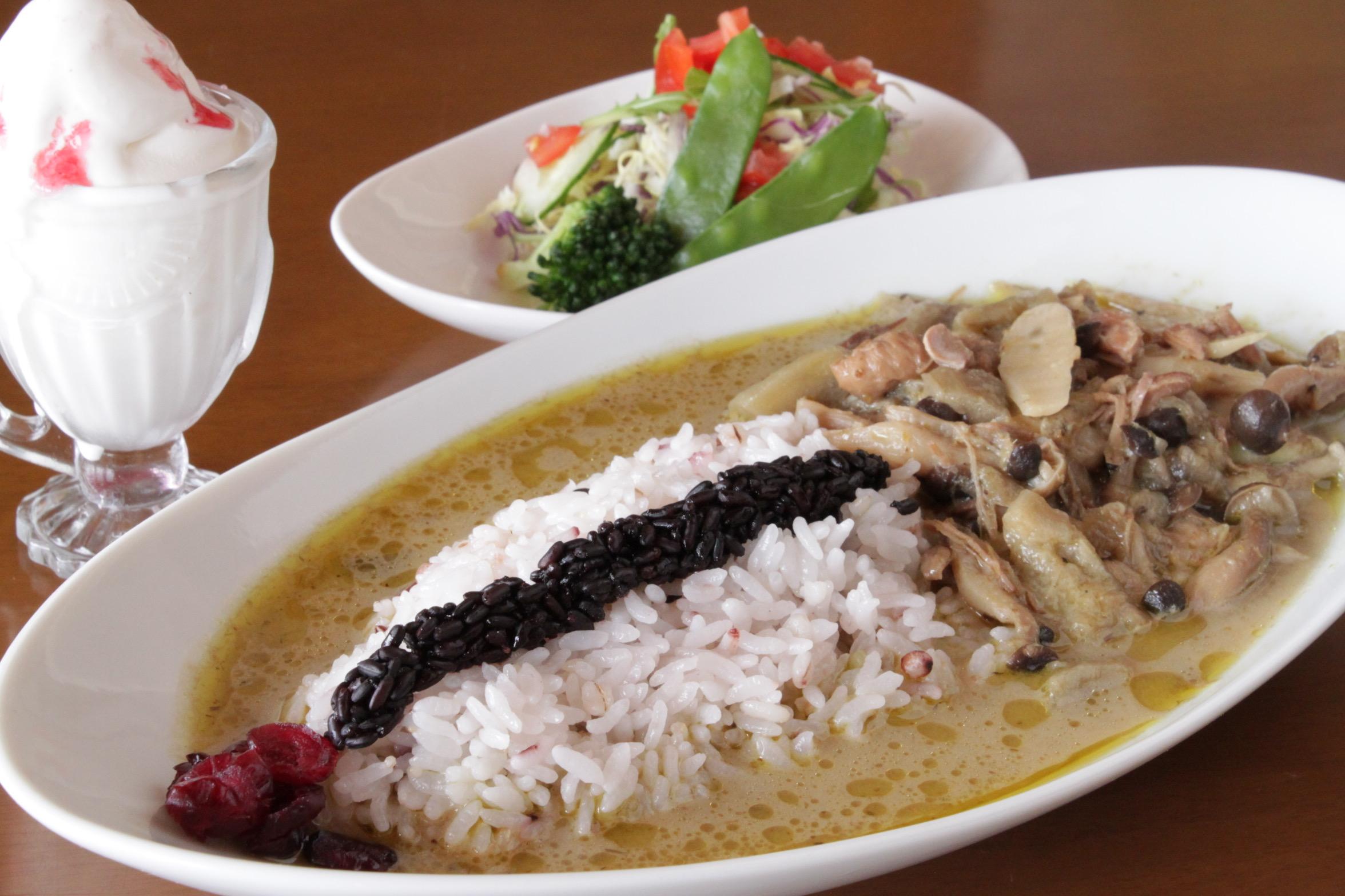 DOREMIFA空:視覺與味覺雙享受!一邊用餐一邊欣賞丹頂鶴在空中的曼妙舞姿