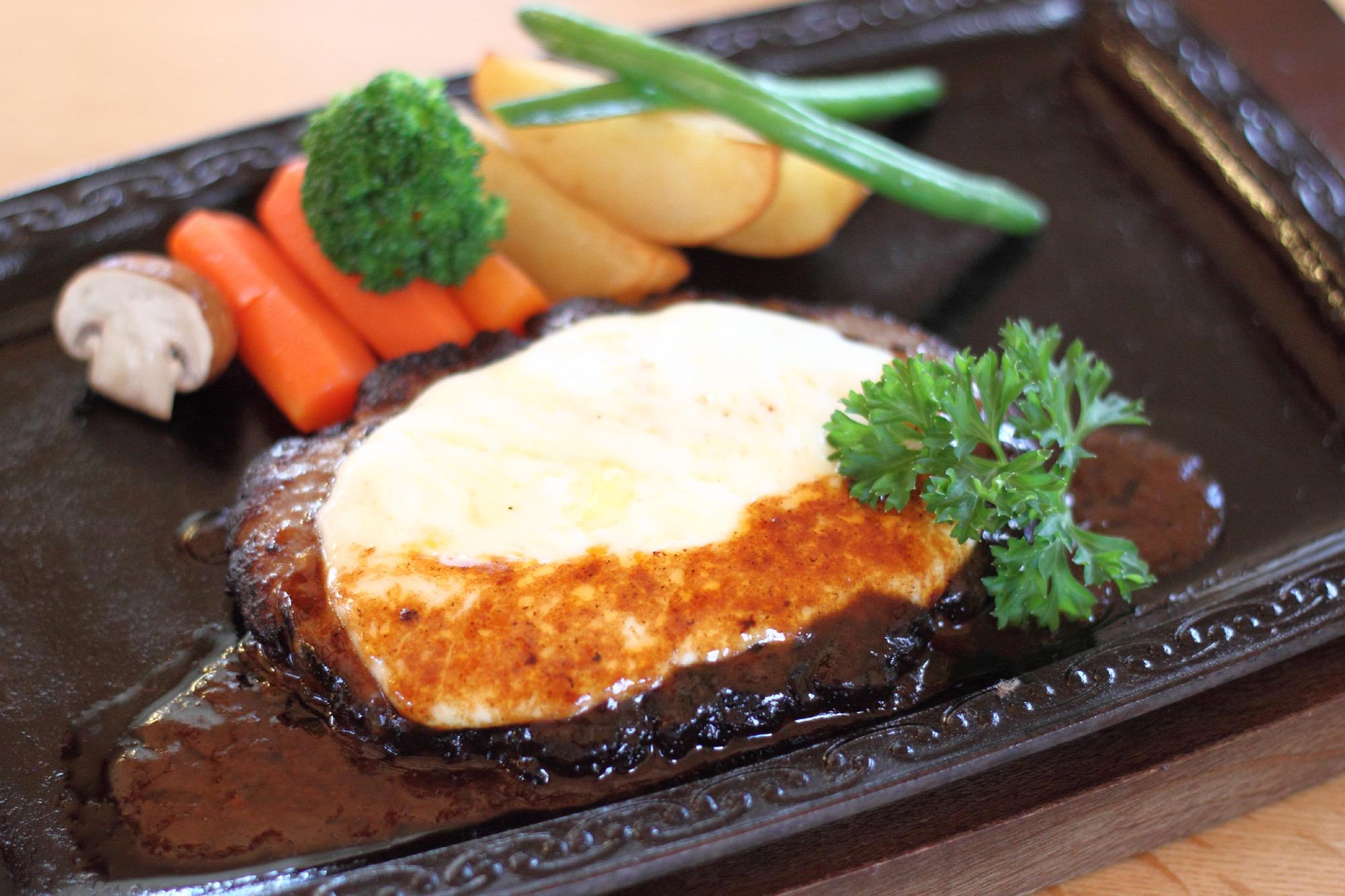 來牧場直營的餐廳品嚐經濟實惠的短角和牛料理!
