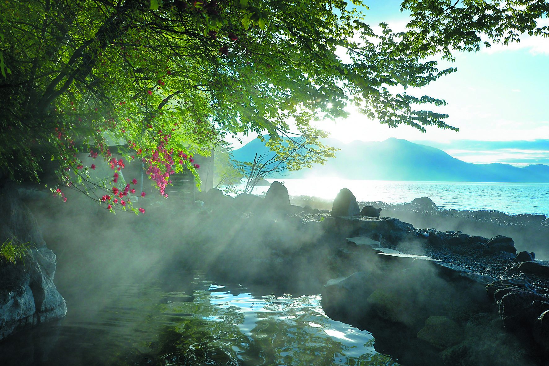 丸駒溫泉旅館:享盡湖畔大自然景觀與溫泉的老舖旅館