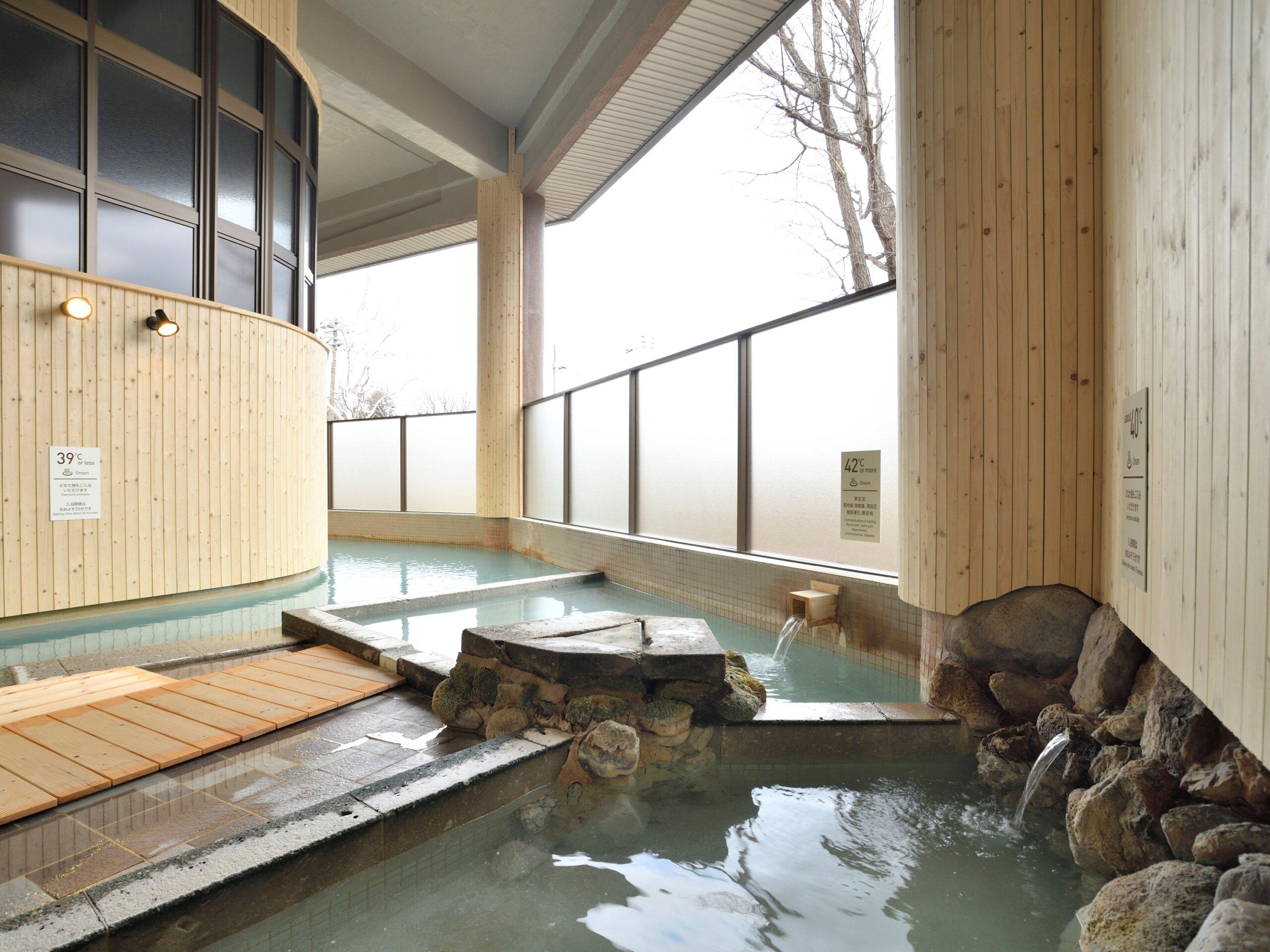 川湯溫泉 お宿欣喜湯:以3種溫度的浴池體驗日本珍稀的溫泉泉質