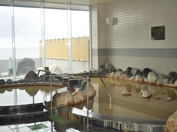天然溫泉 利尻ふれあい溫泉:漁獲充沛的島嶼上能享受源泉溫泉的樂趣