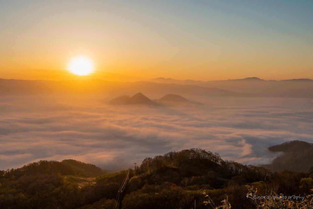 5月時從幌萌山展望台拍攝到的雲海。©Noro Keiichi